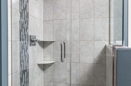 tiled-shower-accent-shelf-downtown-milwaukee-condo