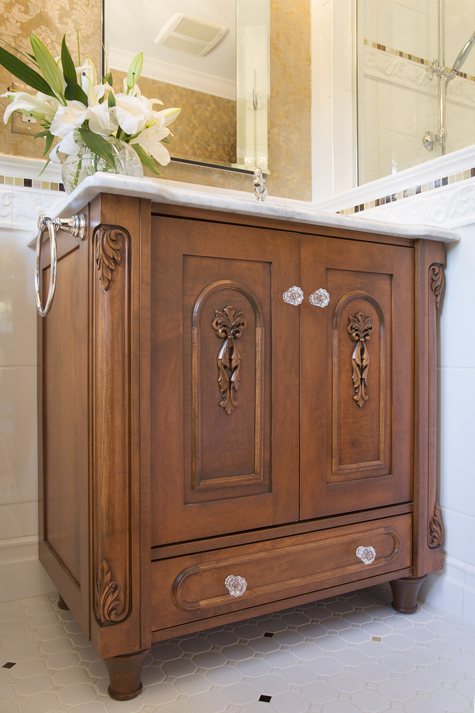 vanity-antique-built-in-custom-shorewood-wisconsin-classic-bathroom-remodel