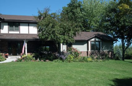 brick-siding-two-tone-shingles-west-bend-wisconsin