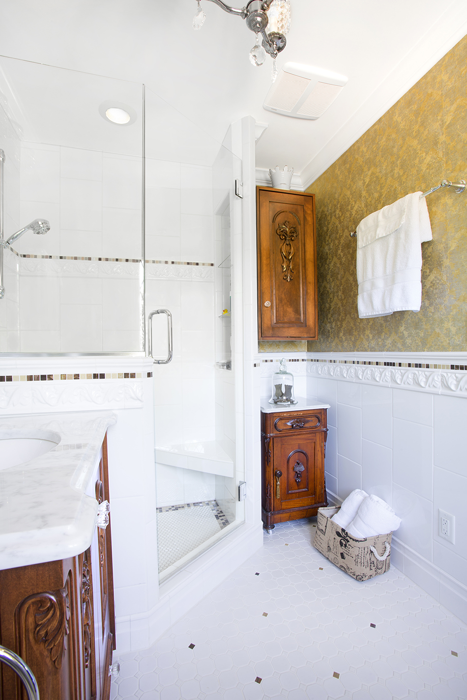 glass-angled-shower-tile-wainscoting-historic-renovation-east-side-milwaukee